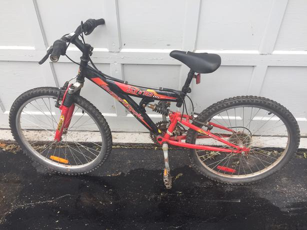 "Used Supercycle XTi18 DS Boys 18"" Full Suspension Mountain Bike"