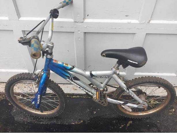 "Used Supercycle Molten Kids Bike featuring a 10.5"" steel frame"