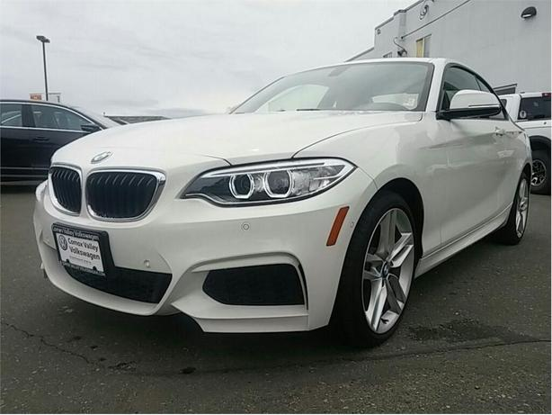 2016 BMW 228i xDrive WOW ! Premium Coupe for a great price !