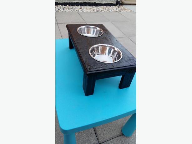 elevated dog feeder brand new
