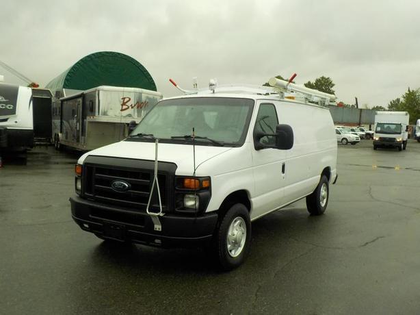 2009 Ford E-350 Super Duty Cargo Van