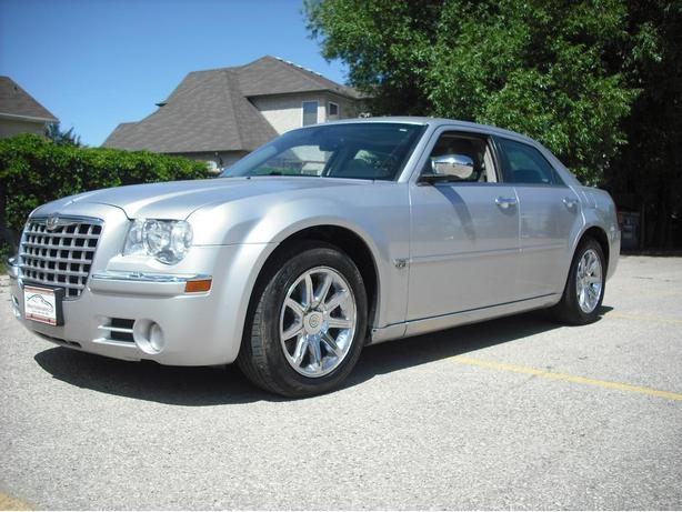 Crysler 300 C Hemi...Loaded with only 152,000 kms