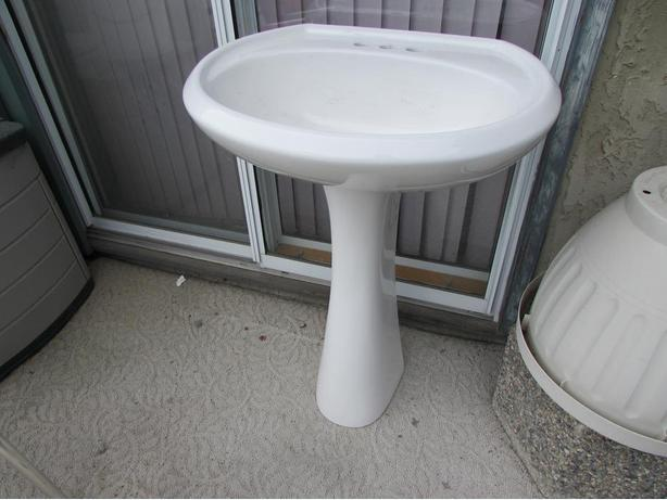 beautiful   pedestal  bathroom sink pedestal  and bowl