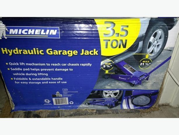 Jack - Michelin 3.5-Ton Garage Jack NEW-Reduced to $99 ( Value $174.99+Tax )