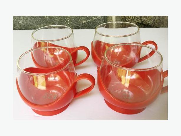 Vintage 70's MELITA Glass and Red Plastic  CUPS
