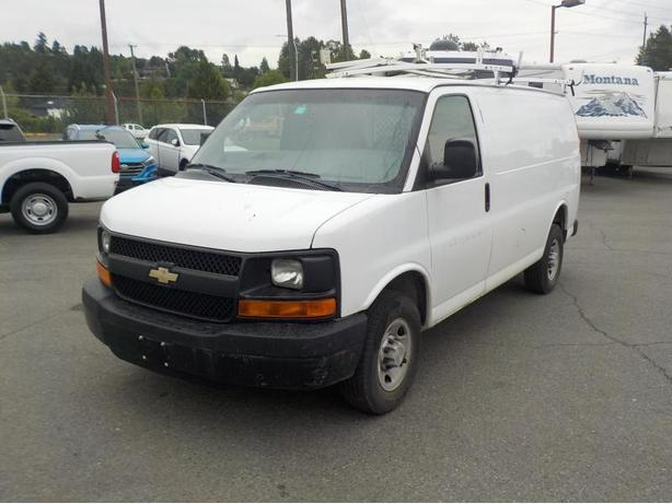 2007 Chevrolet Express 1500 Cargo Van w/ Ladder Rack