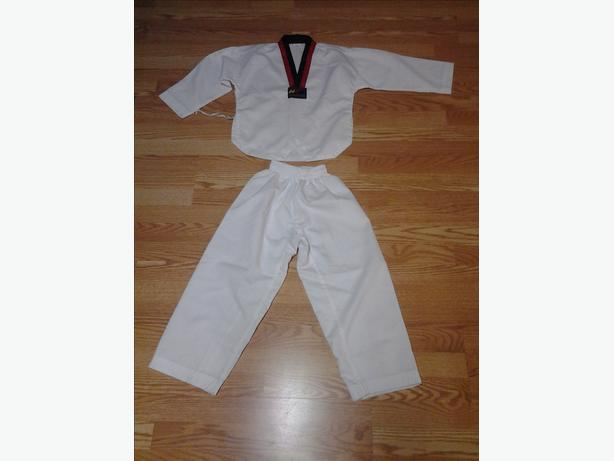 New World Taekwando Federation Uniform Outfit Size XS / 000 / 120cm - $40