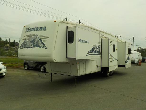 2005 Keystone Montana 3400RL Fifth Wheel Travel Trailer w/ 4 Slide Outs
