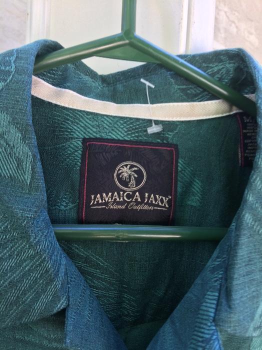 6d8843de New Jamaica Jaxx 100% Silk Sz M Central Saanich, Victoria