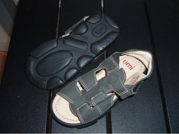 *BRAND NEW * Umi toddler sandals