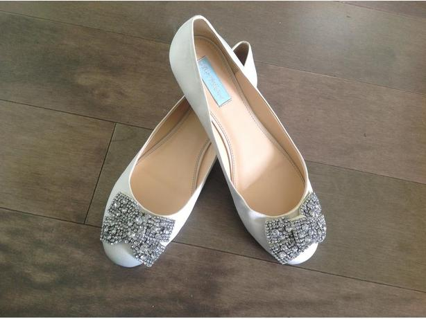 NEW Bling flats ***never worn*** size 10