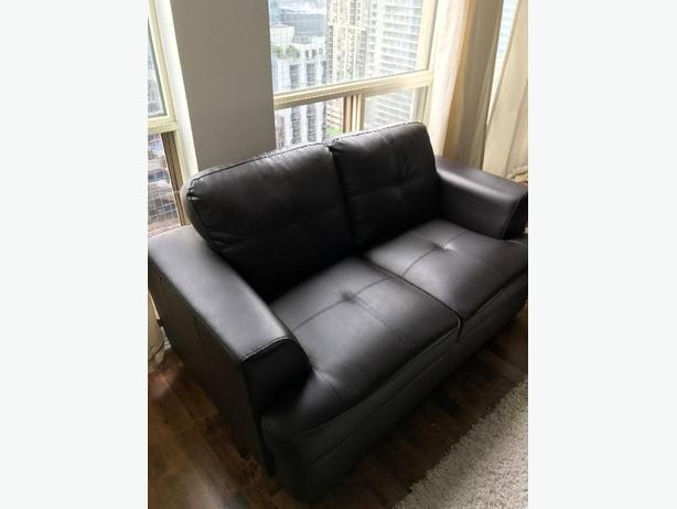 Matching Couch and Loveseat Set