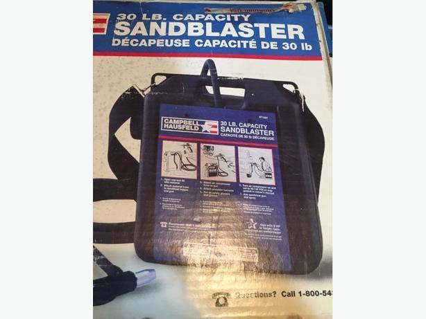 Good Condition Campbell Hausfeld Sandblaster