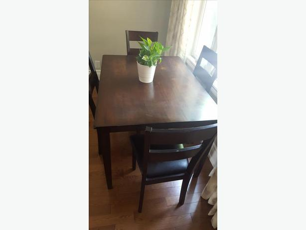 Leons Dining table with 4 chairs for Sale