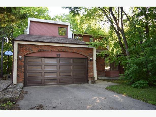 St Vital Family Home - Only $379,900