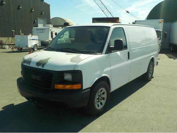 2010 GMC Savana 1500 Cargo Van w/ Rear Shelving