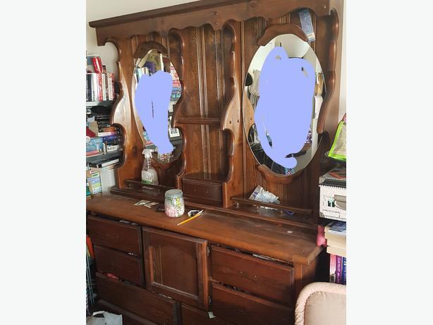FREE:  Beautiful Dresser