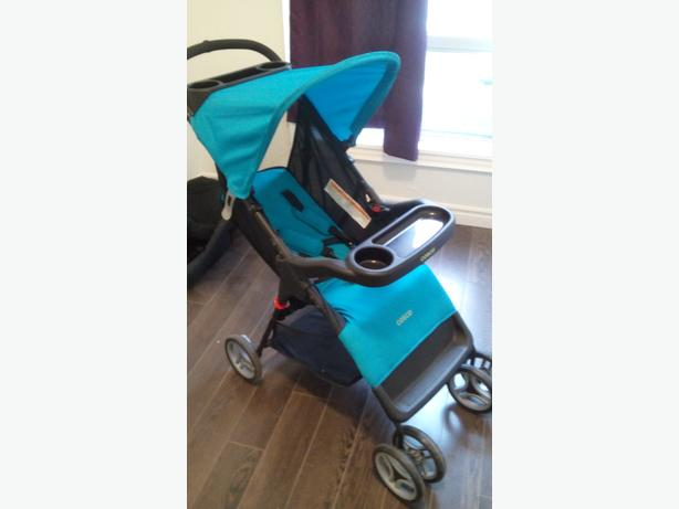*Cosco Juvenile Lift & Stroll Baby Travel System*
