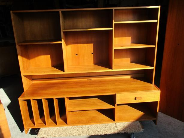 ESTATE SCANDINAVIAN AUDIO ENTERTAINMENT CENTER