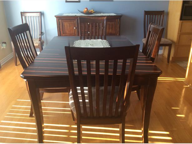 Buffet And Dining Room Table 6 Chairswill Separate