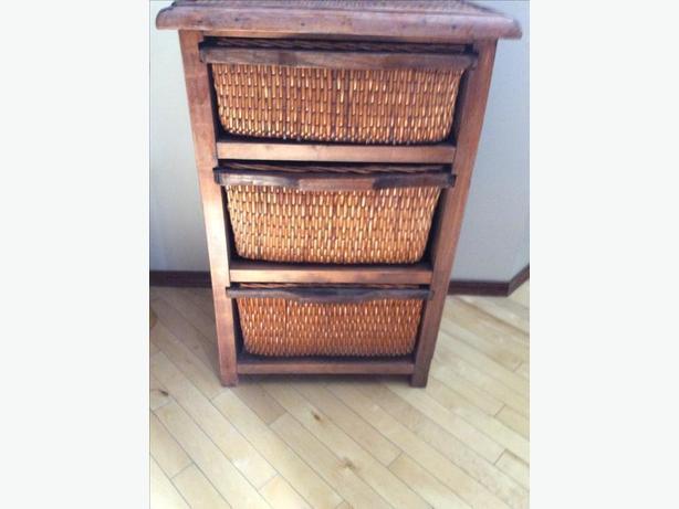 Dresser/storage chest