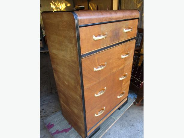 ESTATE FOUR DRAWER CHEST OF DRAWERS