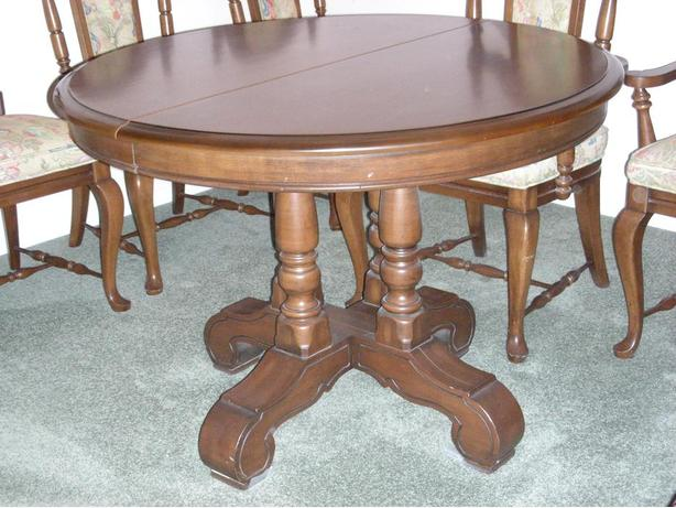 Vilas Solid Maple Dining Room Set