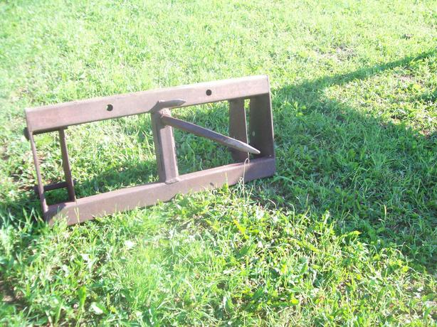 BALE PRONG FOR FRONT END LOADER ALSO CLAY BUCKET