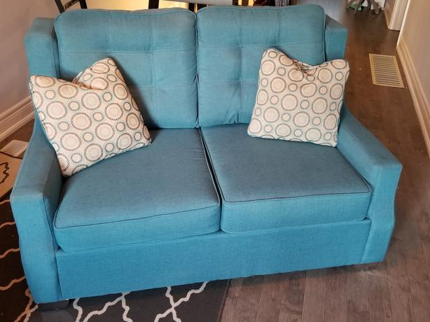 Couch/Love seat/Sofa set/Furniture