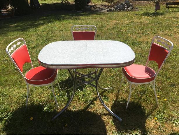 Retro Chrome Table and 3 Chairs.