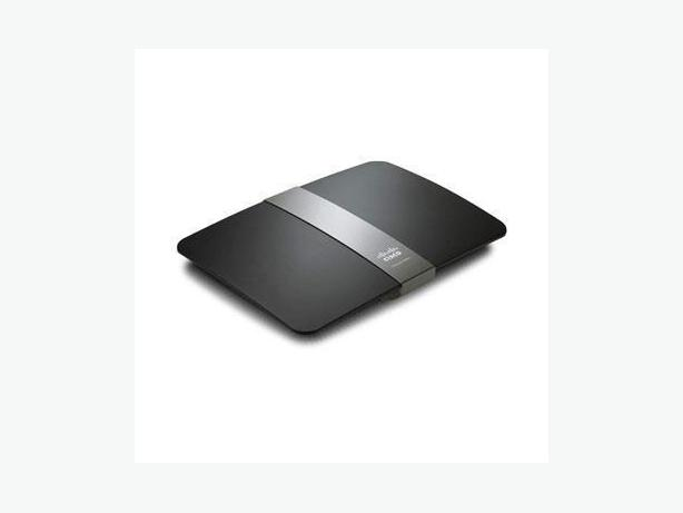 Linksys E4200v2 Dual-Band N900 Router