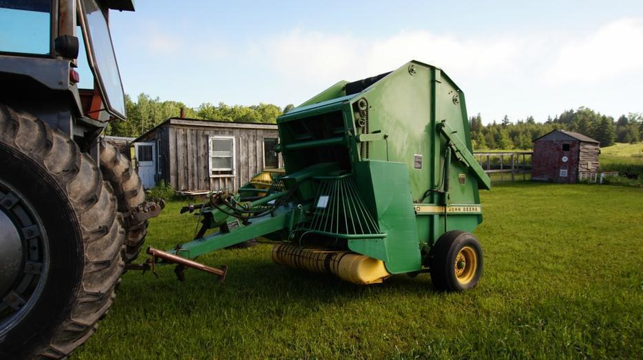 $4,000 · John Deere 410 small round baler, does 4X5 rounds
