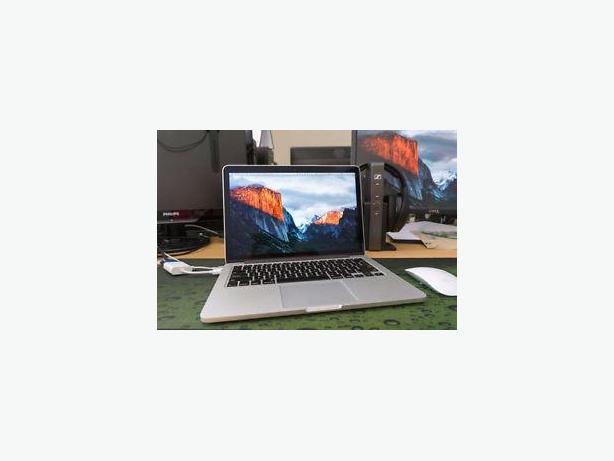 """MACBOOK PRO i5 2.5GHz 500GB,4GB,WIFI,WEBCAM,DVD,13"""",SUPER FAST"""