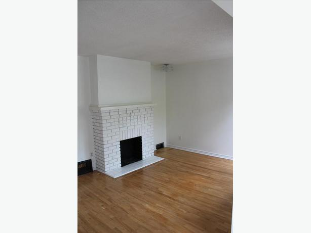 LARGE 2 BED/1 FULL BATH - with a GARDEN