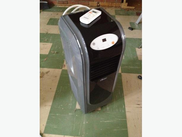 Portable Air Conditioner / Dehumidifier / Fan with remote