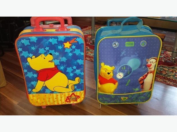 Pooh Bear suitcases Cobble Hill da34cb665