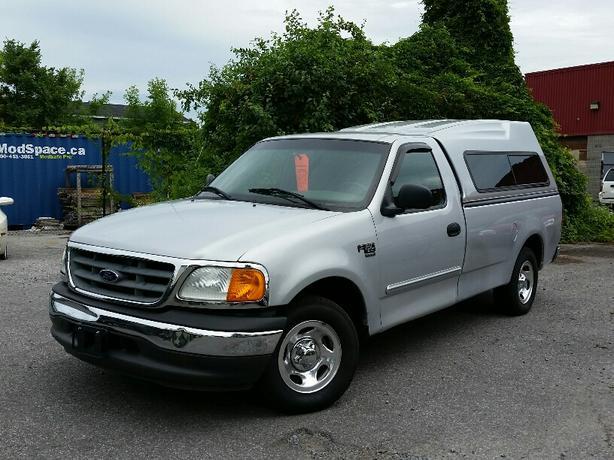 2004 Ford F150 XL *low km*