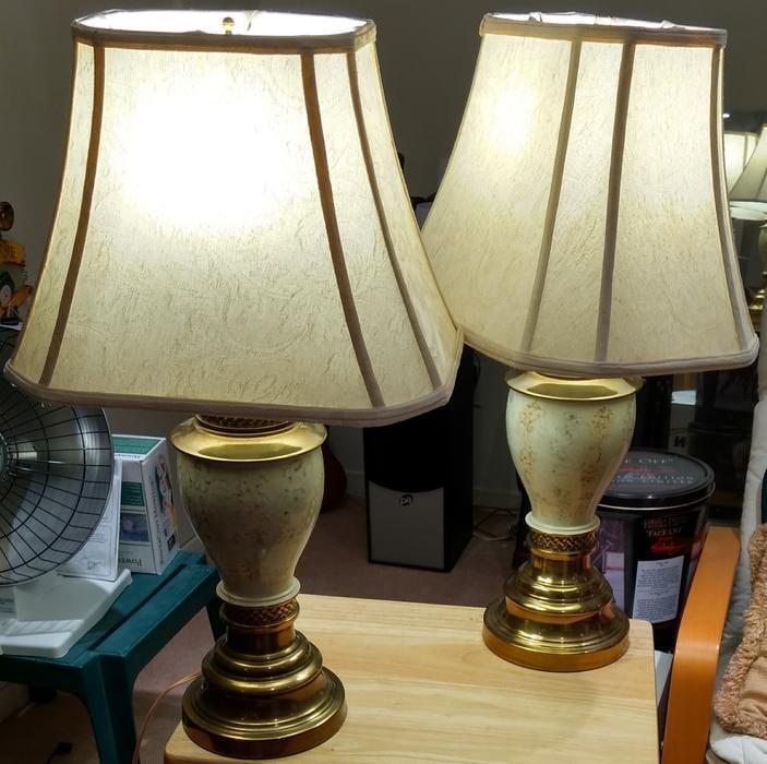 Salt Lamps Kamloops : Pair of brass/ceramic lamps Central Ottawa (inside greenbelt), Ottawa