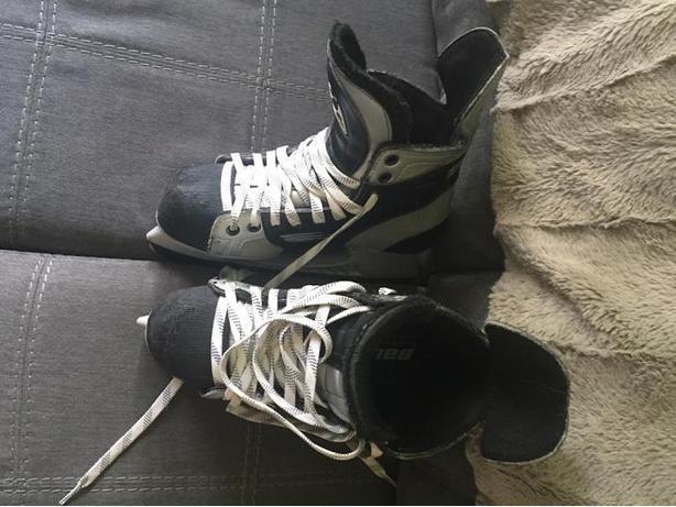 Vapor 10 hockey skates