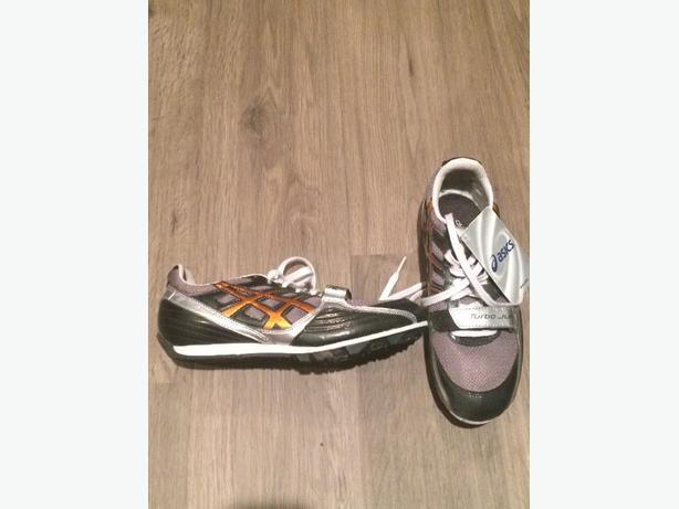 Aasics Womens size 6 Track Cleats