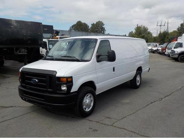 2011 Ford Econoline E-250 Extended Cargo Van