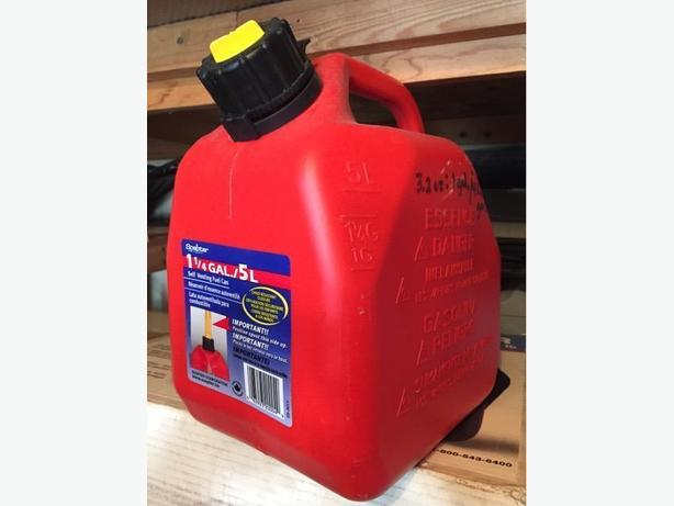 Like New 5L/1.25Gal Scepter Gas Can