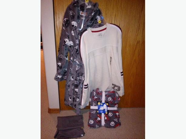 4 BOYS SIZE 10-12 CLOTHING ITEMS FOR ONE PRICE
