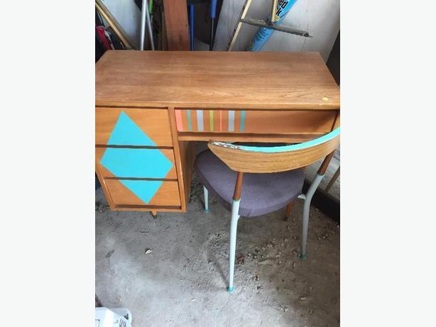 Mid-cetury desk