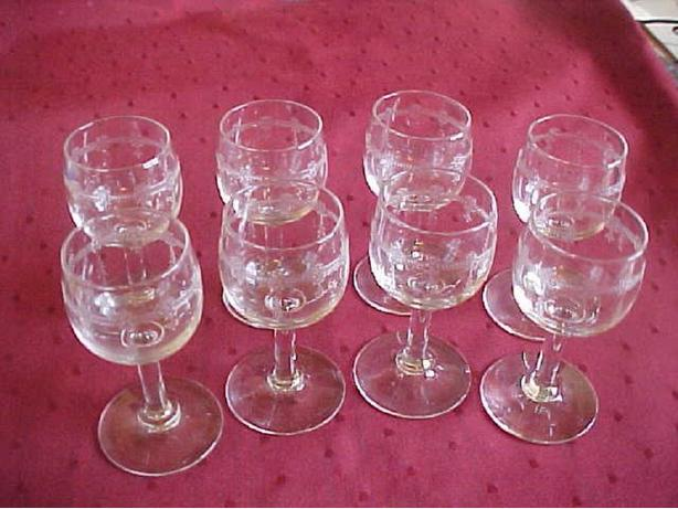 8 ETCHED GLASS SHOT GLASSES