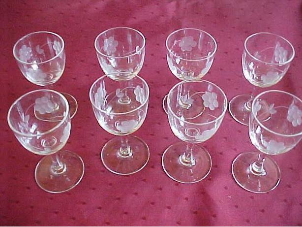 8 ETCHED GLASS LIQUEUR GLASSES