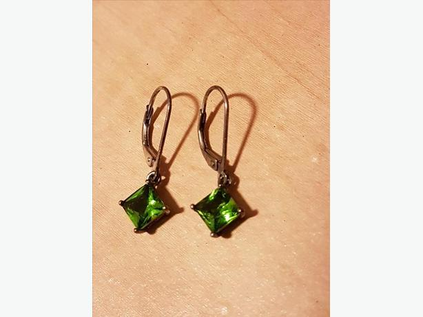925 STAMPED STERLING SILVER EARRINGS  WITH GREEN PERIDOT