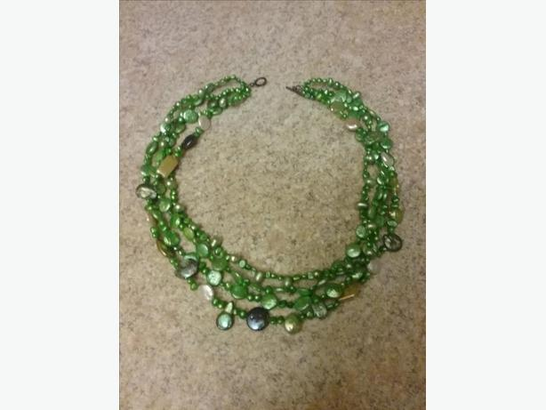 18 INCH FRESHWATER PEARL ETC NECKLACE