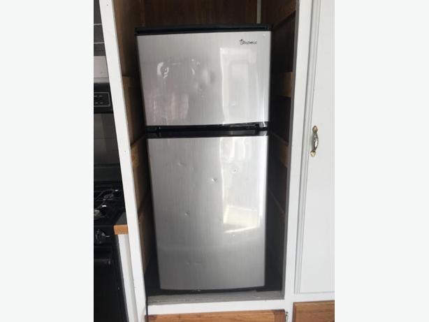 Magic Chef Mini fridge/freezer