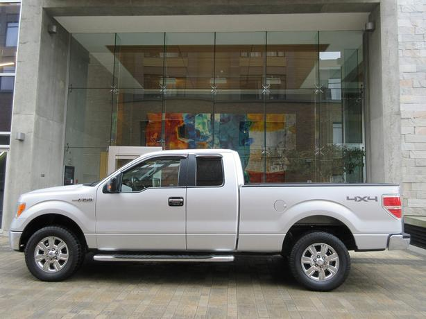 2009 Ford F150 XLT Super Cab 4x4 - LOCAL VEHICLE! - NO ACCIDENTS!
